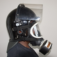 Deluxe helmet with single gas mask